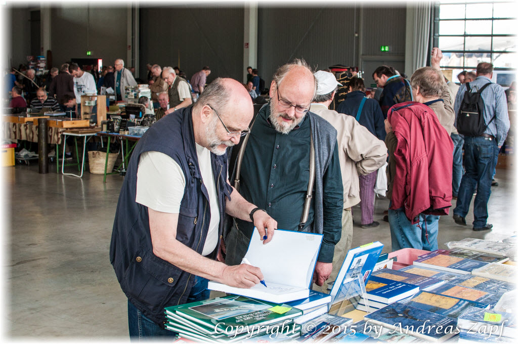 Image 02 - Speyer 2015 - Book signing